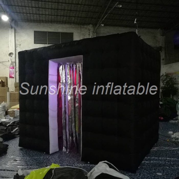 New style 3x2.1x2.4m wonderful black wedding LED Lighting inflatable photo booth with tassels photo booth cabinet for saleNew style 3x2.1x2.4m wonderful black wedding LED Lighting inflatable photo booth with tassels photo booth cabinet for sale