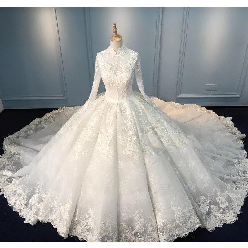 Muslim Lace Wedding Dresses 2018 Vintage High Collar Full Sleeves Bridal Gowns Button Puffy Custom Made Wedding Gowns Dubai