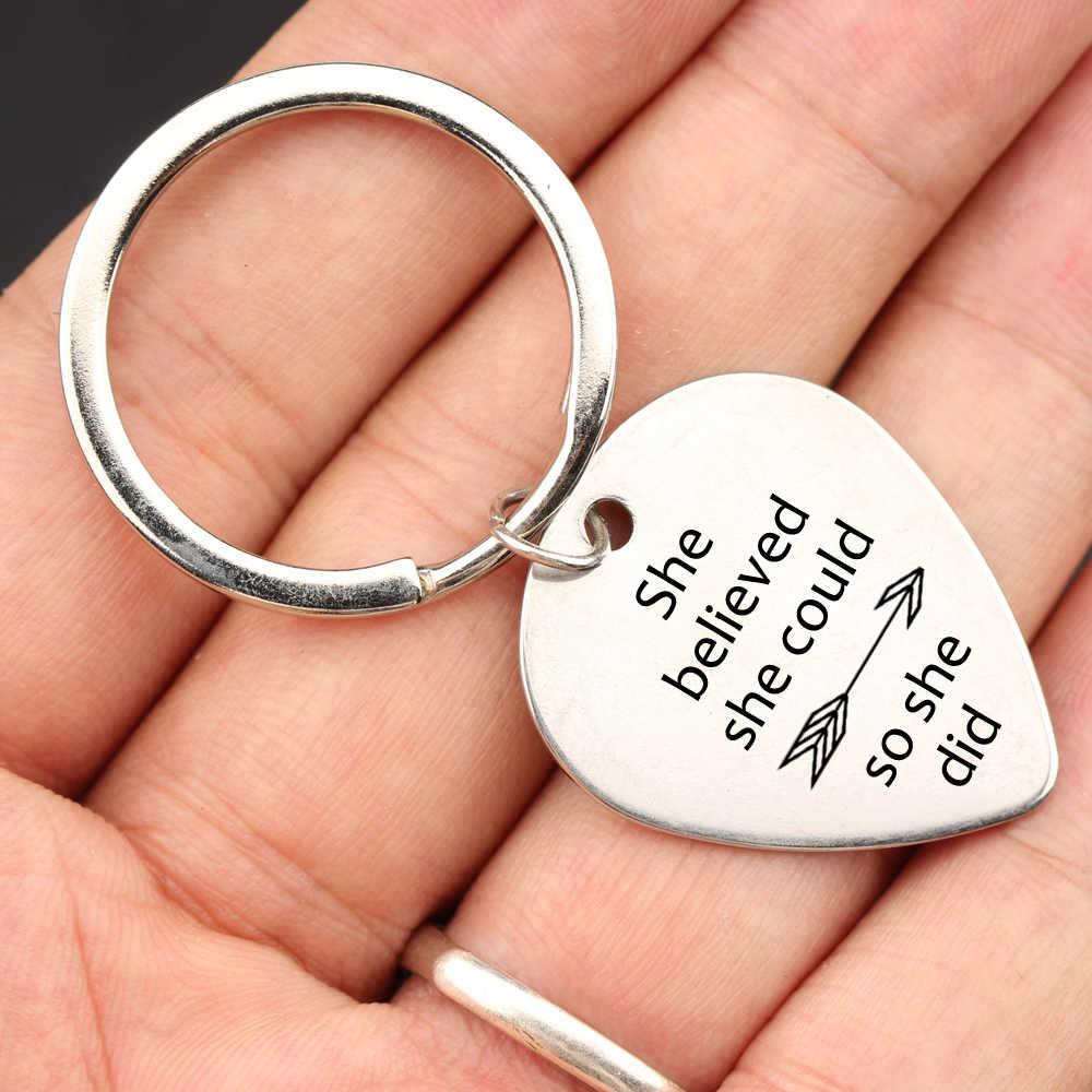 Thời trang Keyring Guitar Pick Thư Keychain Cô Tin Rằng Cô Có Thể Vì Vậy Cô Đã Làm mũi tên Keyfob