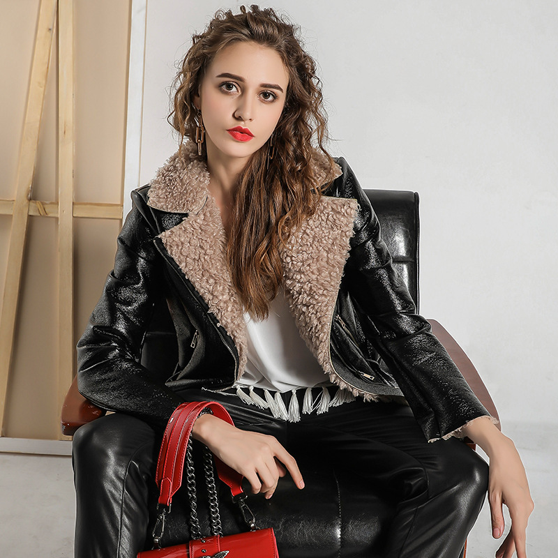 New Lamb Cashmere Motorcycle PU   Leather   Jackets For Women European Winter Slim Short Plus Velvet Turn Collar Zipper Female Veste