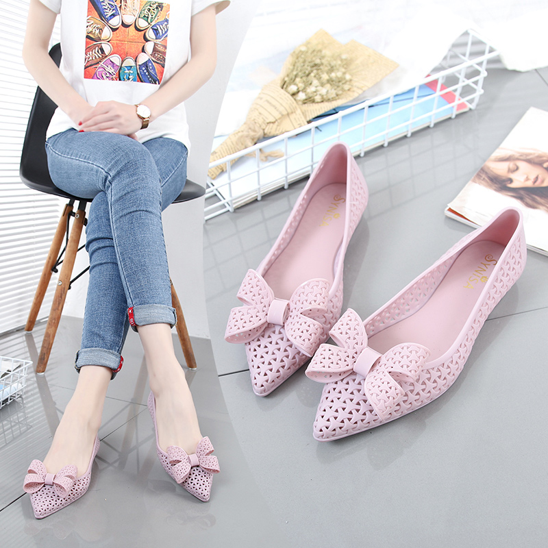 EOEODOIT 2019 Summer Jelly Shoes Beach Sand Cozy Hollow Out Sandals Flat Heel Pointy Toe Slip On Women Rain Flats With BowknotEOEODOIT 2019 Summer Jelly Shoes Beach Sand Cozy Hollow Out Sandals Flat Heel Pointy Toe Slip On Women Rain Flats With Bowknot