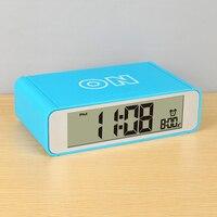 Eletrônico Despertador Criativo Luz Noturna Inteligente Snooze Alarme Mecânico Relógios de Mesa Flip Brilho Relógios De Cabeceira 50A0135 Wecker