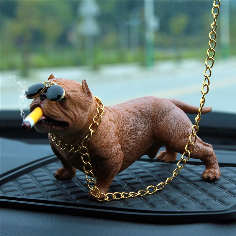 Bonito Simulação Cão Pitbull Ornamento Do Carro Dos Desenhos Animados Auto Decoração Bulldog Carro Painel Decoração Hot New estátua do cão para o painel do carro