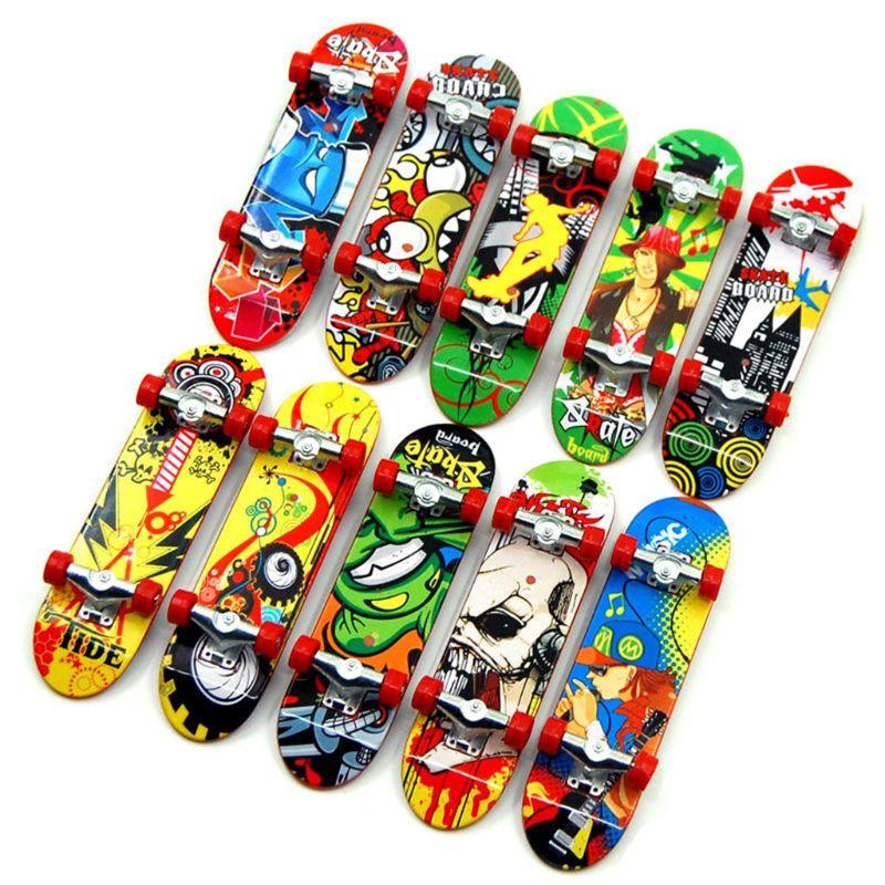 HBB 2PCS Kids Novelty Toys Finger Board Tech Truck Mini Skateboards Alloy Stent Party Favors Birthday Gifts Random Color