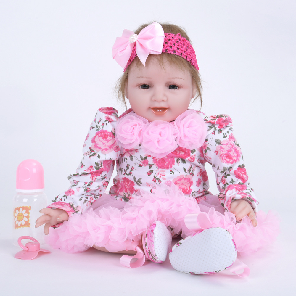 22 inches Realistic Reborn Girl Doll Soft Silicone Lifelike Newborn Baby with Cloth Body Toy for Kids Birthday Xmas Gift Bebe 22 inches realistic reborn girl doll soft silicone lovely princess newborn baby with cloth body toy for kids birthday xmas gift