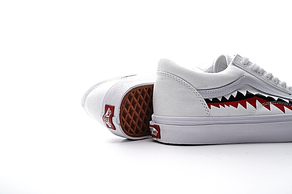 362fcb9da94 Original New Arrival Men s   Women s Classic Vans X Bape Sharktooth Custom  Bape Skateboarding Shoes Sneakers Canvas VN0AY8Z7BPW