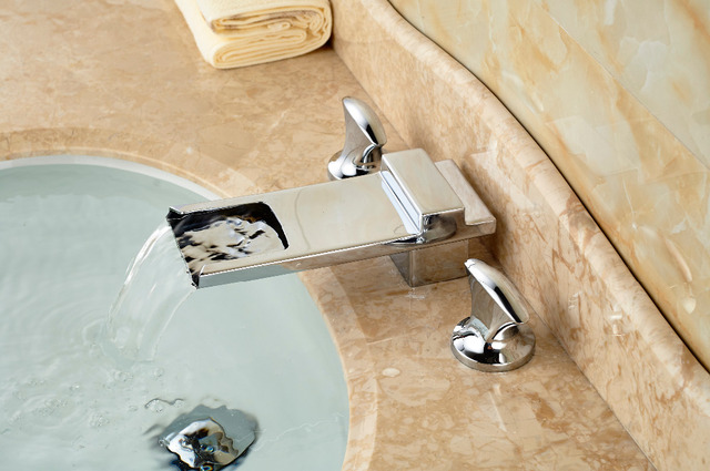 Lange waterval uitloop chrome messing badkamer wastafel kraan