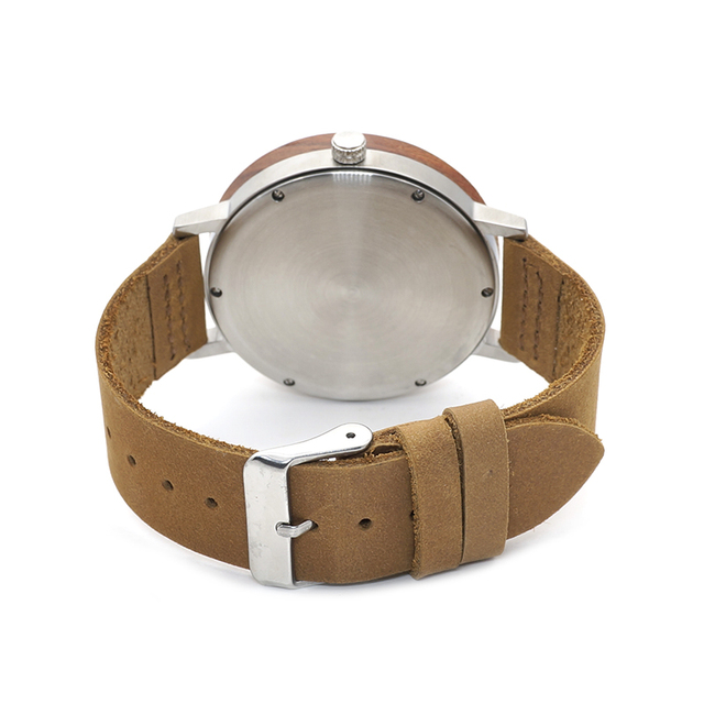 Stylish Men's Watch With Leather Strap