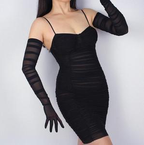 Image 5 - Vrouwen Mode Gevouwen Wit Zwart Kleur Lange Mesh Handschoen Vrouwelijke Sexy Elegante Vintage Touchscreen Lange Zonnebrandcrème Handschoen R731