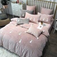 Новый коралловый флис вышитые постельные принадлежности RUIYEE бренд кролик вышивка 4/5/6/7 шт. набор кровать пододеяльник листов наволочка