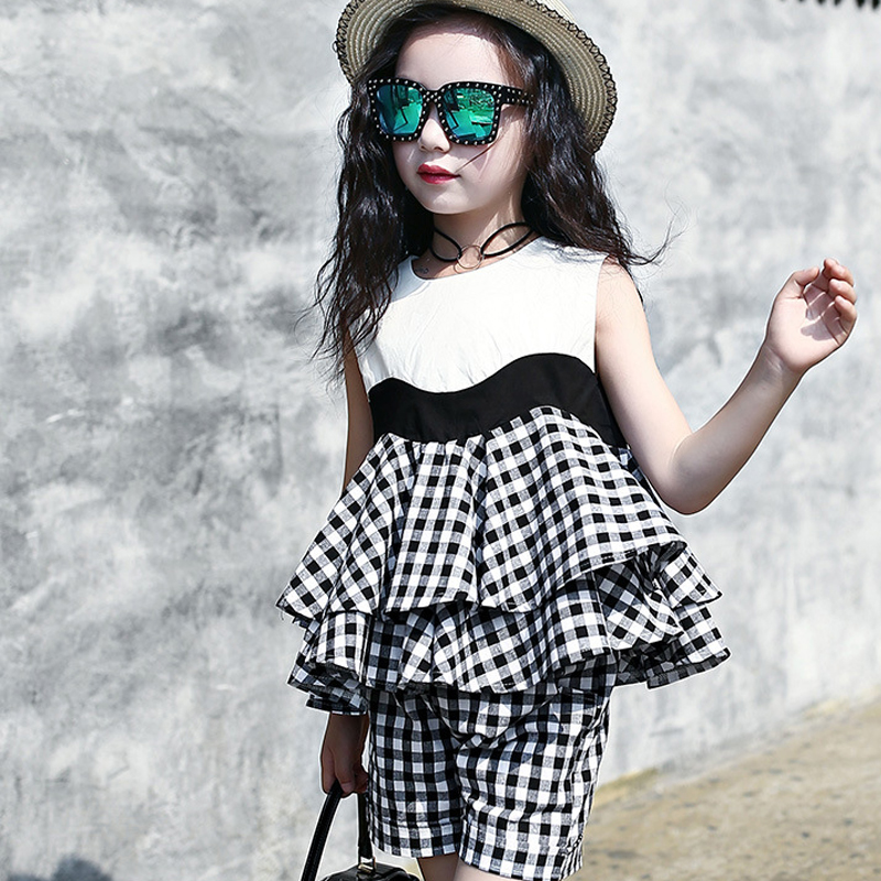 ruffles girl clothes set 2018 white black plaid teenage baby girls clothing sets sleeveless blouses tops shorts girls summer set girls clothing sets 2017 new summer style children clothing baby girl s plaid clothes sets sleeveless plaid shirt shorts 4 9t