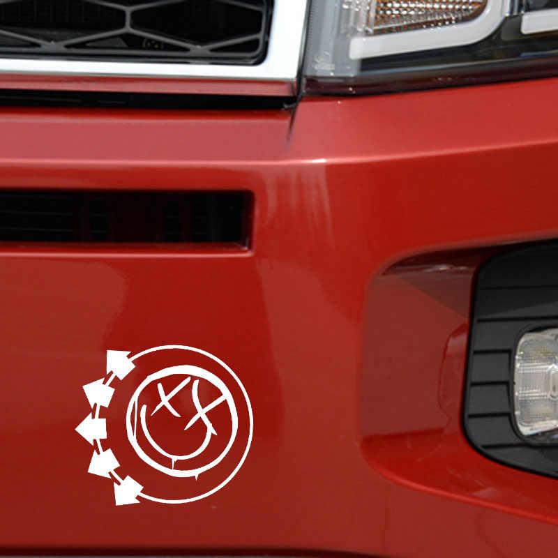YJZT 12.8 سنتيمتر * 11.8 سنتيمتر وجه مبتسم ملصق حائط من الفينيل ملصق سيارة السهم أسود/فضي C3-0400