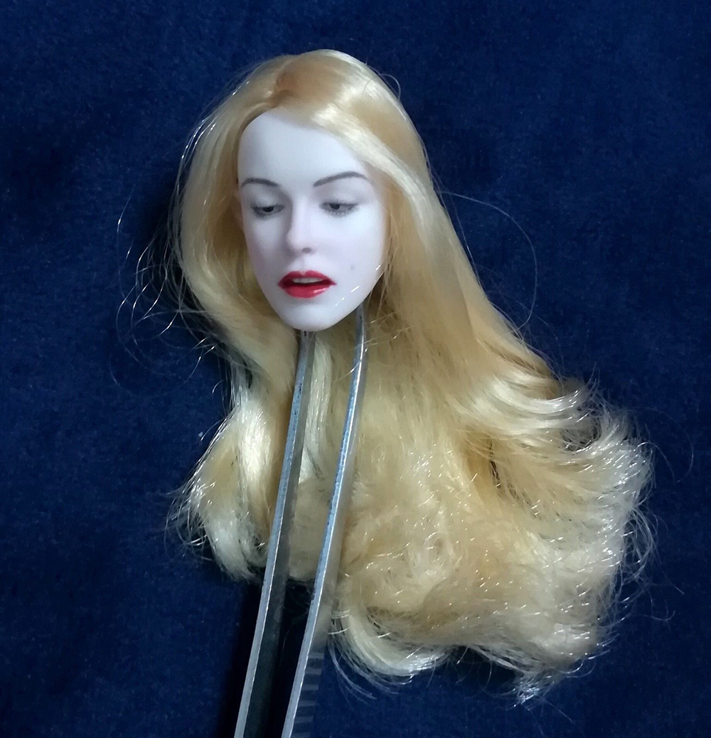1/6 Pale Golden Hair Marilyn Monroe Carving Head Sculpt open mouth eye closed plant curls Hair For 12 Figure PH Body Figures1/6 Pale Golden Hair Marilyn Monroe Carving Head Sculpt open mouth eye closed plant curls Hair For 12 Figure PH Body Figures