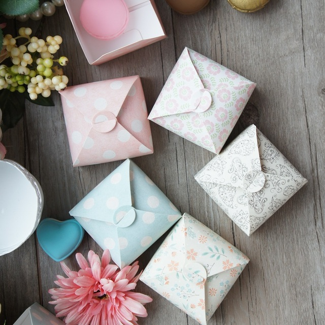 10pcs 5 style cute paper box as cookie candy little gift packaging christmas wedding favors gifts - Christmas Wedding Favors