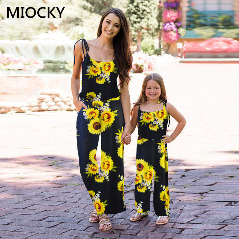Mom and daughter dress Fashion 2019 New Dress family matching clothes Mother daughter dresses Mother and Daughter Clothes E0210 in Matching Family Outfits from Mother Kids