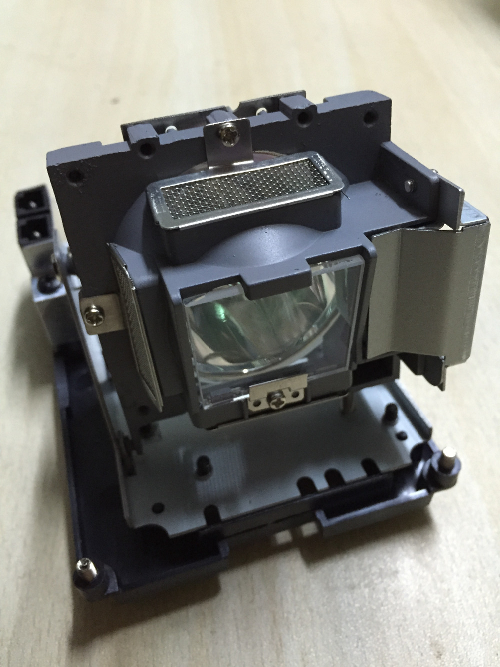 Original projector Lamp With housing 5J.J0W05.001 For   W1000 / W1000+ / W1050  P-VIP 180/0.8 E20.8Original projector Lamp With housing 5J.J0W05.001 For   W1000 / W1000+ / W1050  P-VIP 180/0.8 E20.8