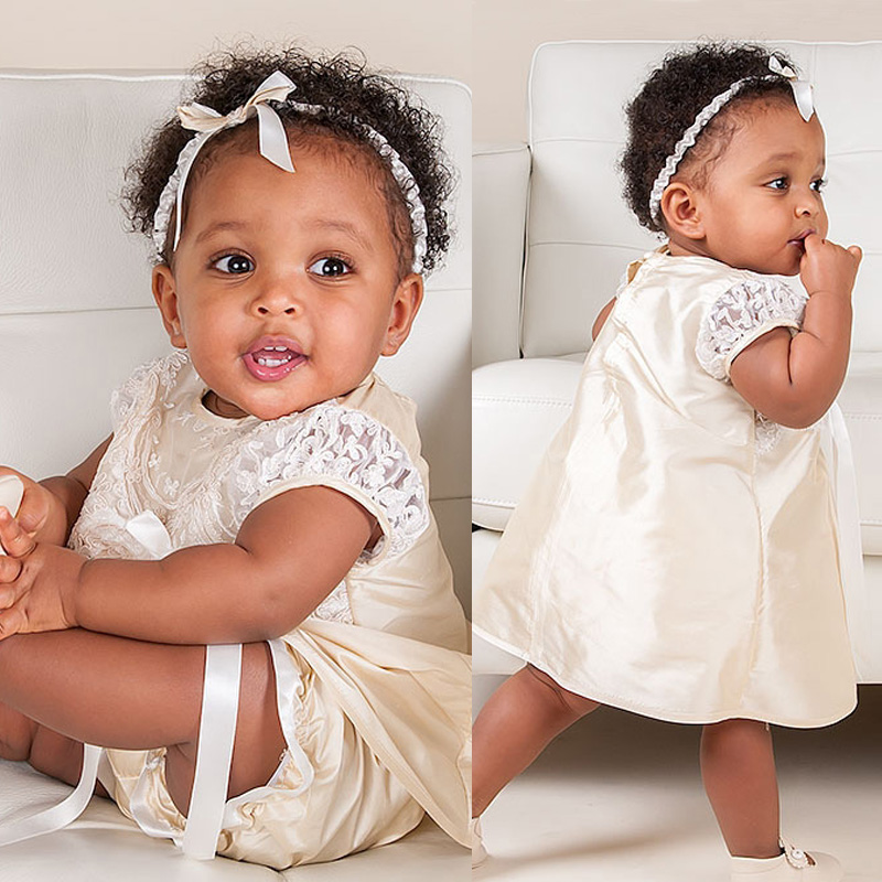 ФОТО Cute Infant Dress Brife Bow Straight Solid Ivory Lace Appliques Vintage Baby Christening Gown Outfit with Bow 2017 New Arrival
