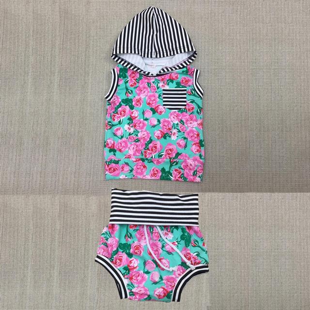 2017 Nova Moda Bebê Meninas Roupas Define Camiseta + Shorts Menina Floral Verão 2 Pcs Ternos 0-2 anos C23