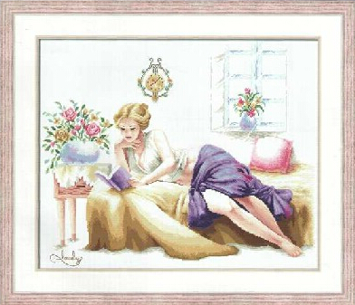 "Girl With Clutch Bag Cross Stitch Kit 6/"" x 7/"" Riolis 1015"