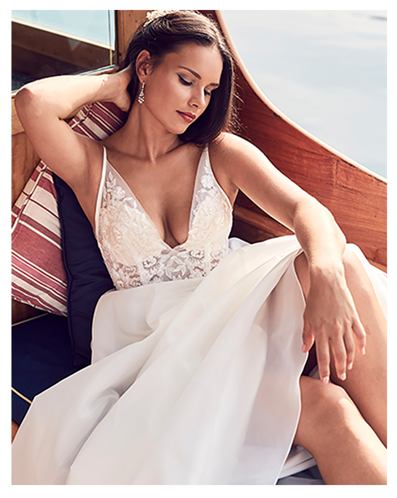 LORIE Boho Wedding Dress Spaghetti Straps A-Line Lace Top Appliques 2019 Sexy Bride Dress Backless Wedding Gown