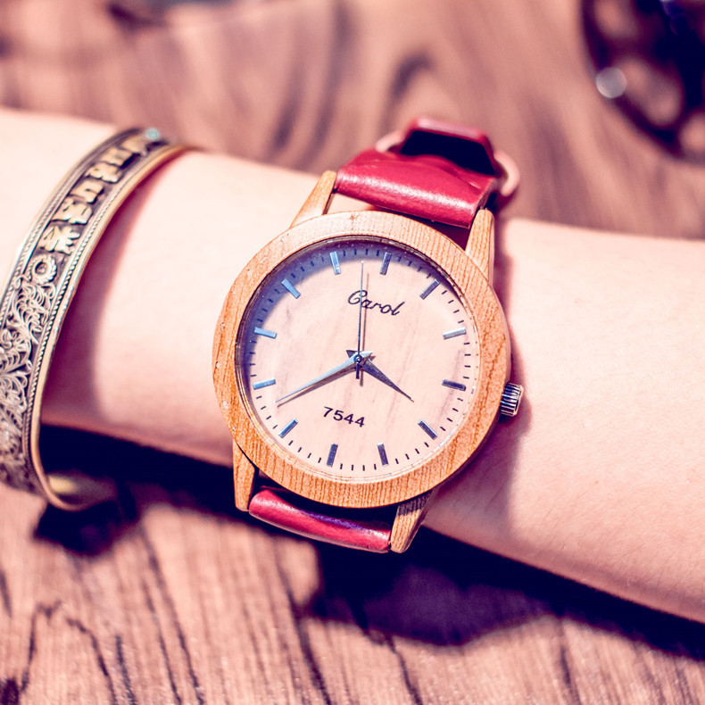 The New Student Quartz Watch Dial Fake Wood Leather W