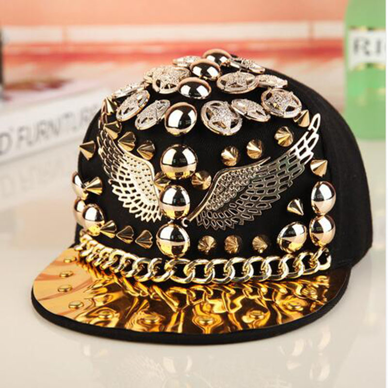 მაღალი ხარისხის Bigbang jazz hat snapback cap მამაკაცები / ქალები Spike Studs Rivet Cap Hat Punk სტილი Rock Hip hop cap Pick