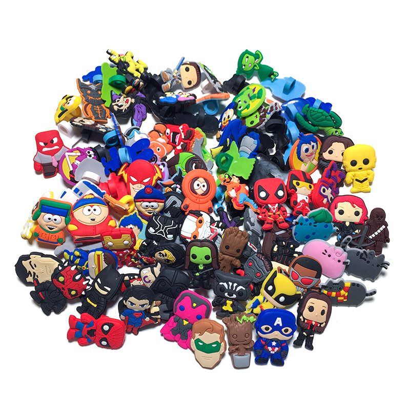 50Pcs Random Different Character Pencil Topper Straw CAvengers Pens Accessories Sputh Park School Pencil Grip Fashion Kids Gifts