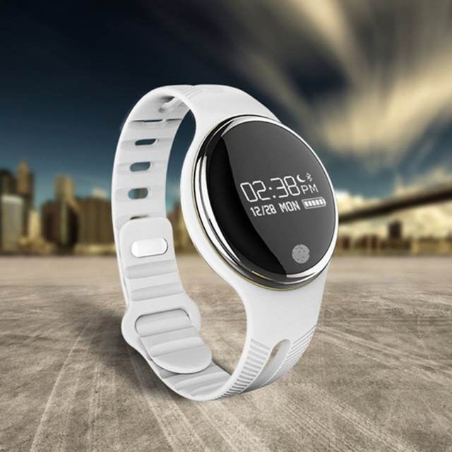 New arrival Swimming Bands E07 Waterproof Bluetooth Smart Bracelet Fitness Tracker Smart Band  Running Wristbands black/white