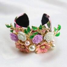 2016 nuevas flores frescas pulsera de perlas accesorios brazalete de modelos de pasarela de moda temperamento Barroco 0632