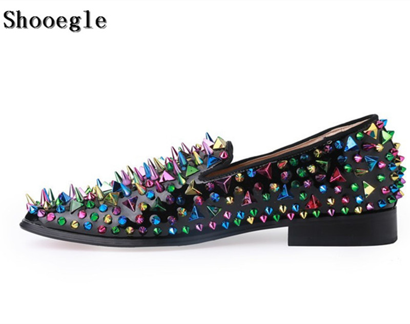 SHOOEGLE Hot Sale Colorful Spiked Men Loafers Shoes High Quality Wedding Shoes Slip on Fashion Rivets Men Shoes Driving Moccasin branded men s penny loafes casual men s full grain leather emboss crocodile boat shoes slip on breathable moccasin driving shoes
