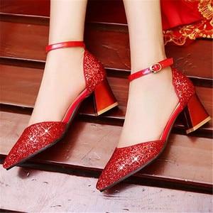 Image 5 - 새 여자 가죽 신발 공주 높은 굽 모델 catwalk 신발 어린이 키즈 웨딩 드레스 신발 아기 학생 019