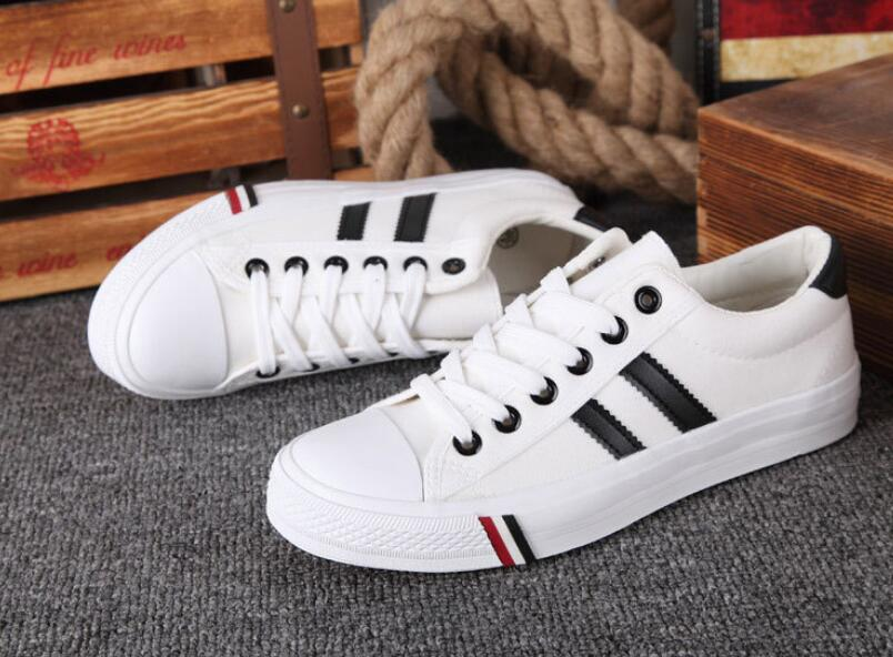 High quality new low to help couples canvas shoes Korean version of men s casual shoes