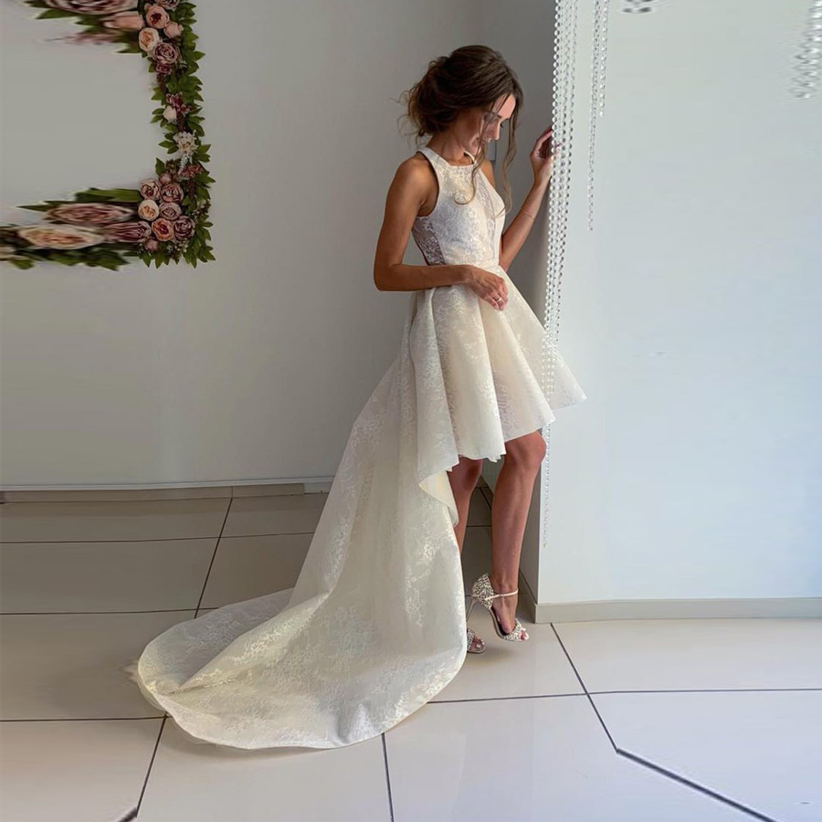 Halter Neckline Short Wedding Dress Asymmetrical Criss Cross Bridal Party Dress With Lace Appliques Vestido De Novia
