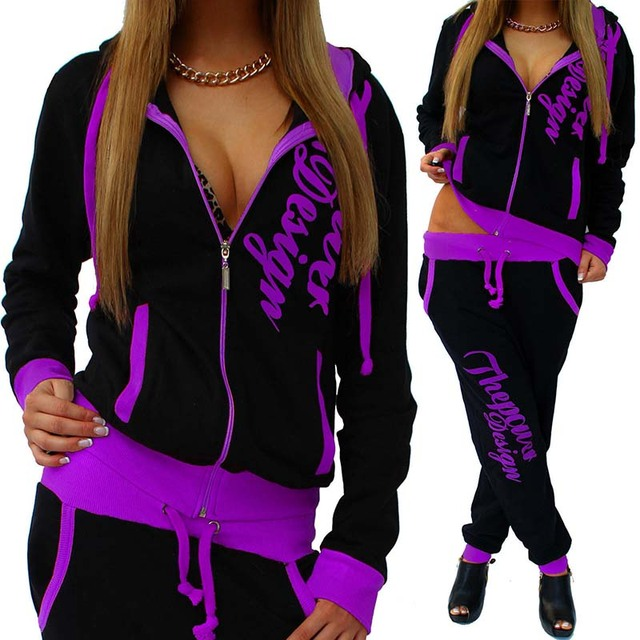 2 Piece Loose Fitness Tracksuit with Hood and Long Sleeves