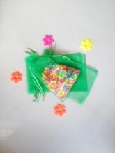 300 unids Hierba verde del regalo del organza bolsas 11×16 cm bolsos de fiesta para las mujeres evento casarse Con Cordón bolsa de La Joyería pantalla Bolsa de accesorios de bricolaje