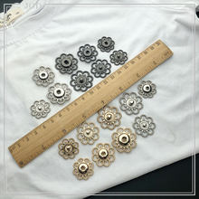 Size: 21mm 25mm 28mm Vintage Hollow Out Snap Buttons Sewing Snap Fastener Plating Metal Invisible Snap for Garment Gold Silver(China)