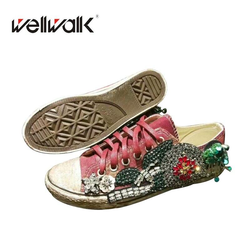 Fashion Classic Women Canvas Shoes 2018 Appliques Women Sneaker Casual Women Flats Shoe Spring High Quality Designs Shoes