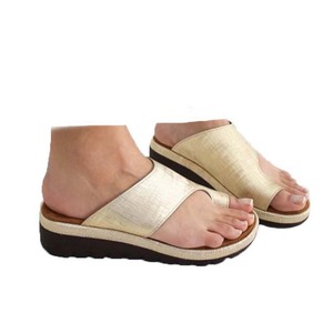 Image 3 - Женская обувь из искусственной кожи на плоской подошве, повседневные мягкие сандалии для коррекции стопы с большим носком, ортопедический корректор, новинка 2019