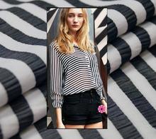Fashionable black and white wrinkle profile, sense width stripe dyed yarn fashion cotton fabric, Korean fabric with skeleton sen