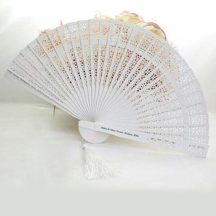 100pcs Hollow Out Sandalwood White Wedding Fan Favors Personalized Folding Hand Fan + Organza Bags wen4597