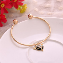 Jewelry Classic Alloy Crystals Paved Black Enemal Fox Shaped Charm Open Bangles For Women Party Accessories