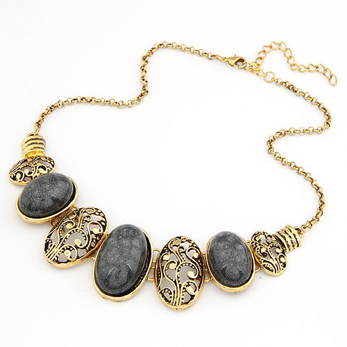 4 Color Vintage Bohemian Necklaces & Pendants geometric Stone Crystal Hollow Carving Bib Collar Choker Collie Ethnic Jewelry