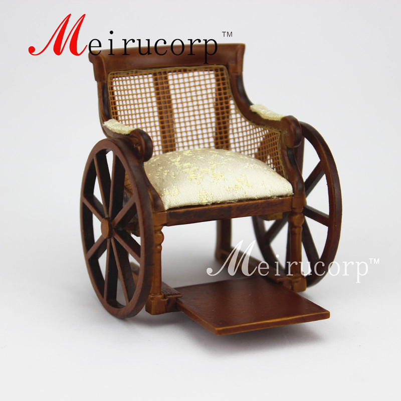 Maison de poupée Fine 1:12 échelle miniature meubles fait à la main handicapés fauteuil roulant