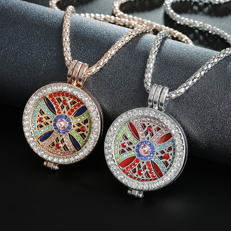 Itenice Aromatherapy Diffuser Necklace Perfume Locket Fashion Clover Pendant Necklaces Creative Gifts Give 6 Gasket locket