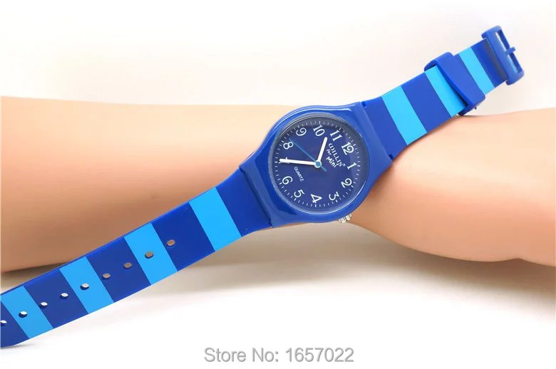 Click here!! Nouveau arrivé style décontracté bracelet en silicone montres  pour femmes homme cadeau robe montres avec le japon mouvement . ef60913ca419