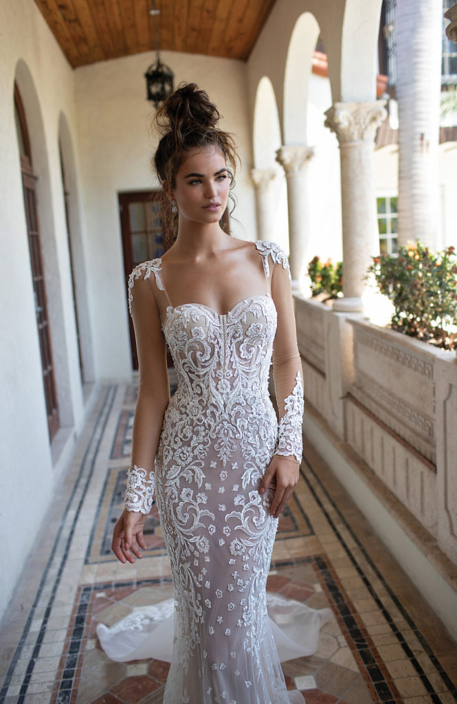 2019 Sweetheart Court Train Long Zipper Long Sleeves Lace Applique Sheath Beach Wedding Dress Real Photo Wedding Gown HA104