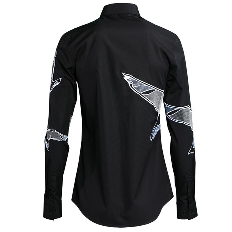 2018 Nieuwe Fijne Borduurwerk Vliegende Duif Mode mannen Shirts Ademende Kleurvast Slim Fit Verfijnd Handwerk All Match M 4XL-in Casual tshirts van Mannenkleding op  Groep 2
