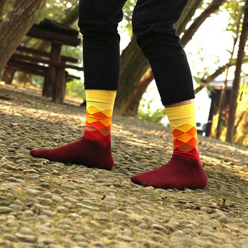 2018 горячая Распродажа, 1 пара, один размер, 10 цветов, британский стиль, Рождество, модные, элегантные, клетчатые, градиентные цвета, мужские хлопковые удобные носки
