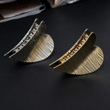 Fashion Hollow Hair Claws for Women Barrette Hairpin Crab Metal Claw Clips Accessories Headwear