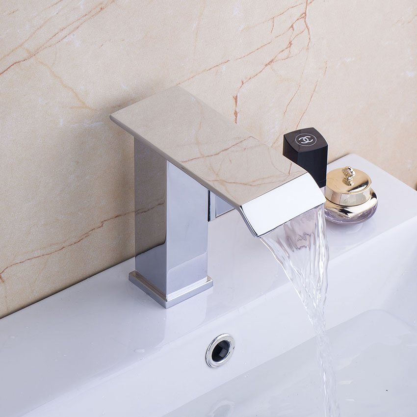 Torayvino Contemporary Design Basin Faucet Chrome Polished Single Handle Deck Mounted Hot Cold Water Eminent Basin Faucet torayvino tap bathroom shower faucet with chrome polished cold